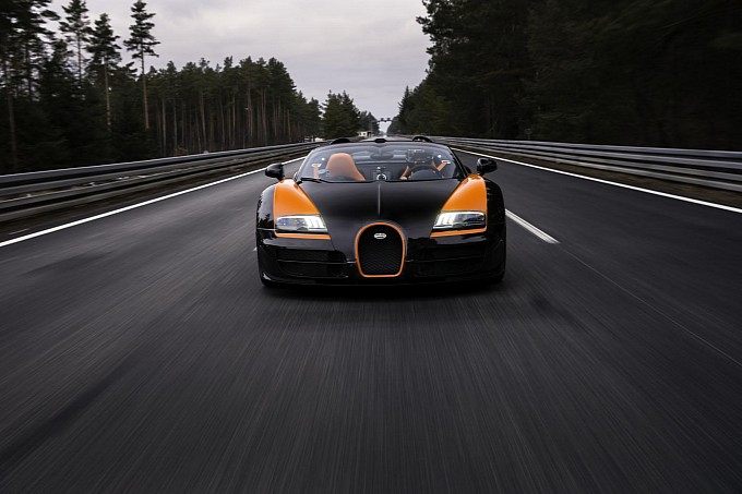 Bugatti Veyron Grand Sport Vitesse's World Record Run [Video]
