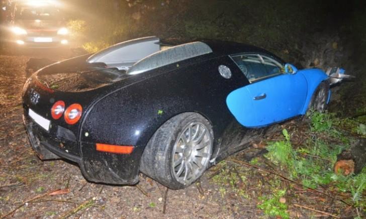 Bugatti Veyron Has a Nasty Crash in Austria