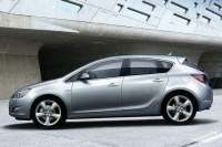 2010 Opel Astra unofficial photo