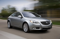 2011 Buick Regal photo