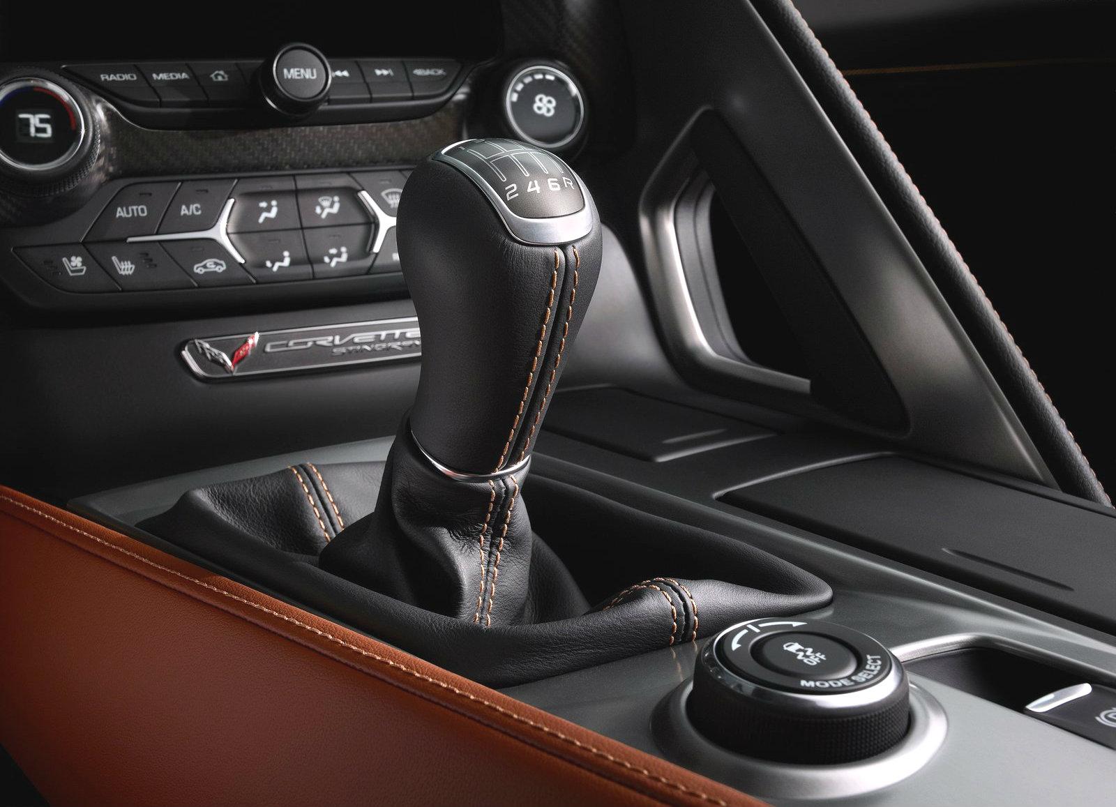 C7 Corvette Customers Love to Shift Gears Manually - autoevolution