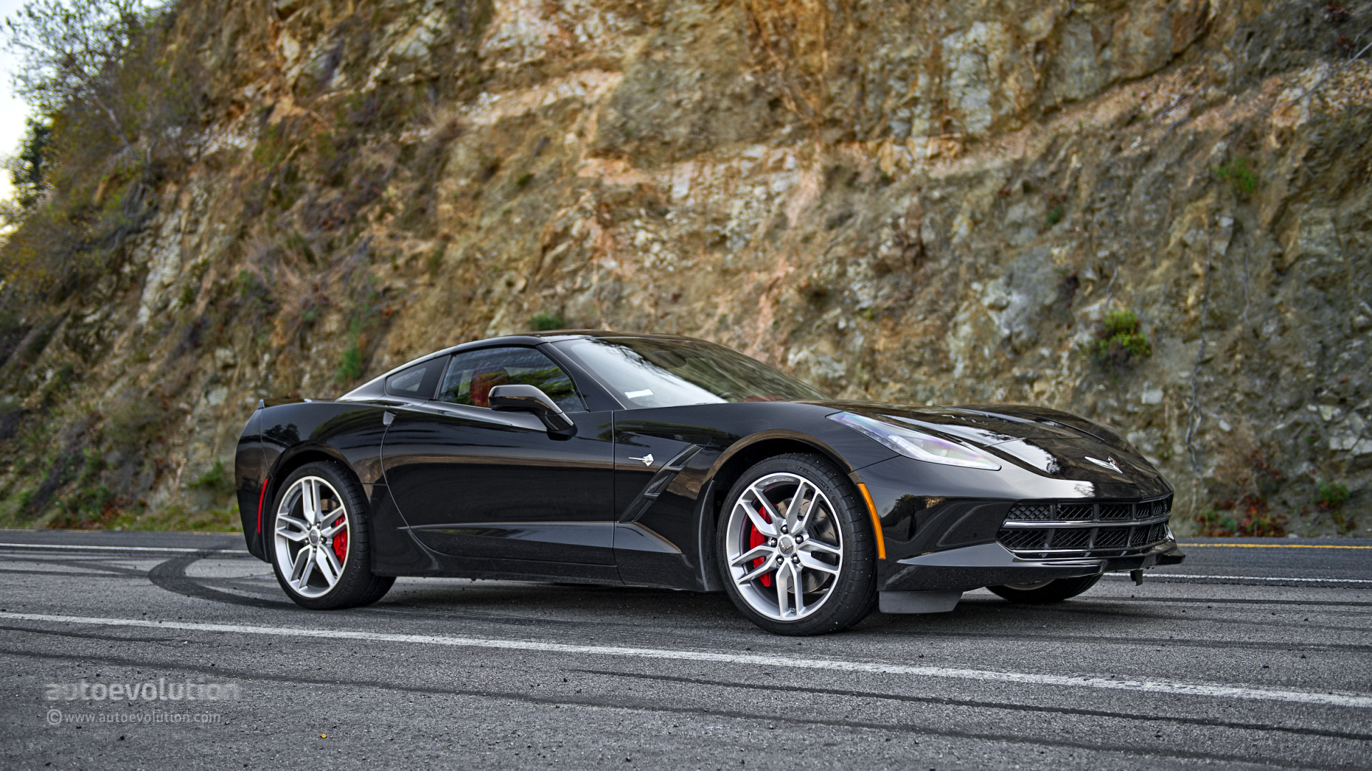 c7 corvette stingray sold 17k units through june 2014 autoevolution. Black Bedroom Furniture Sets. Home Design Ideas
