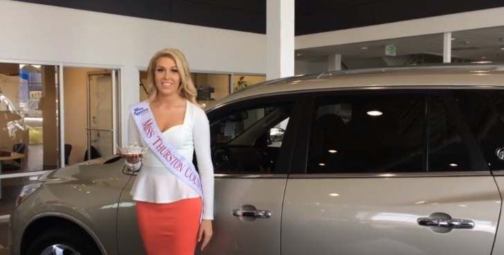 cadillac dealership uses miss washington pageant girls to sell cars autoevolution. Black Bedroom Furniture Sets. Home Design Ideas
