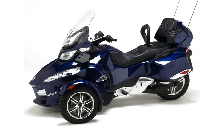 Can am spyder rt receives custom corbin seats and cup holder autoevolution