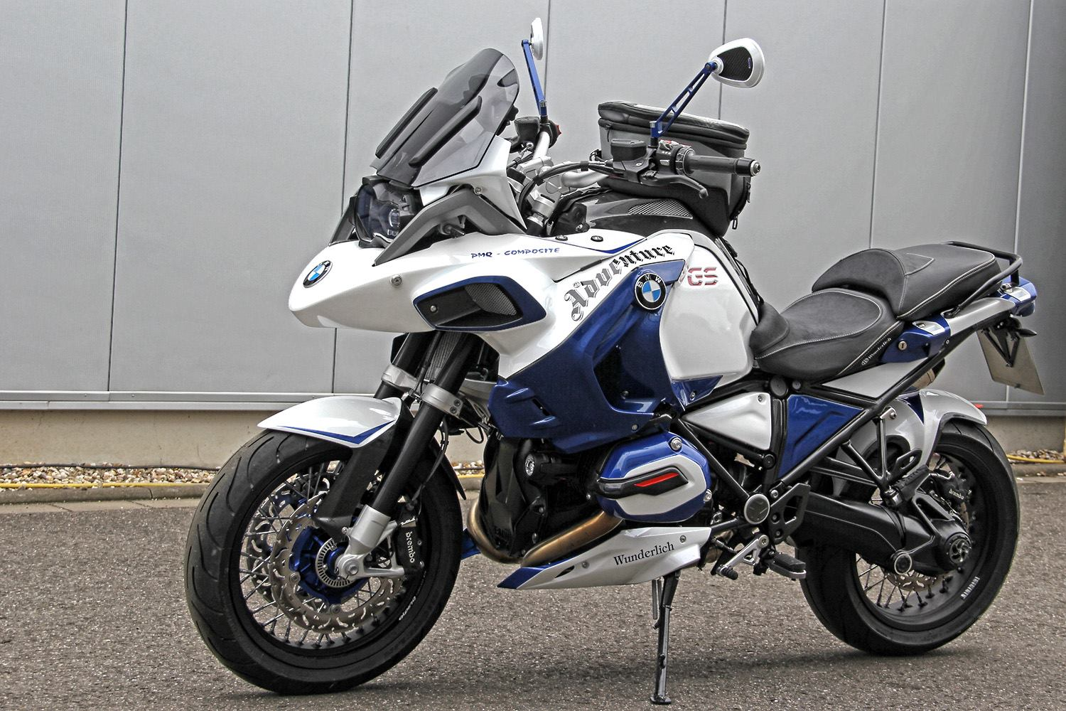 ... that there was an R1200GS Adventure somewhere in the first picture