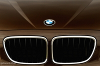 BMW logo on the new X1