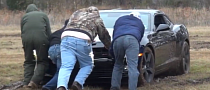 Car Show in Muddy Field Is so 'Merica [Video]