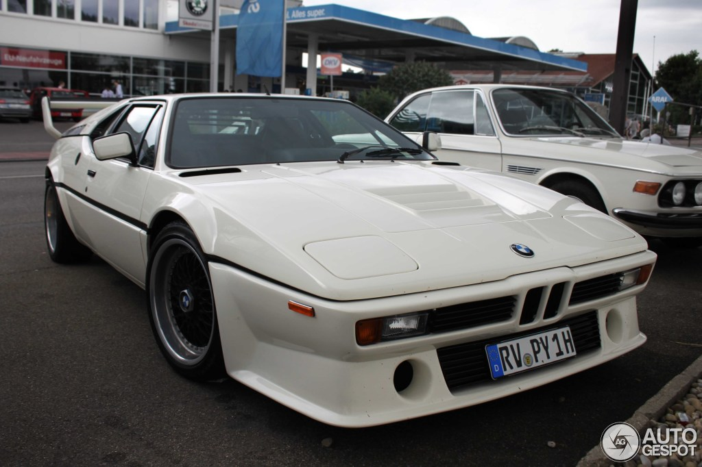 Car Spotter Shoots BMW M1, Forgets about Beautiful Alpina ...