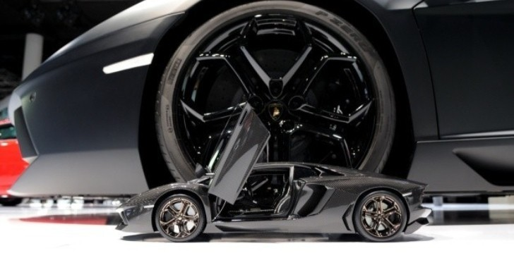 Carbon Fiber Supercar Scale Model: We Need One