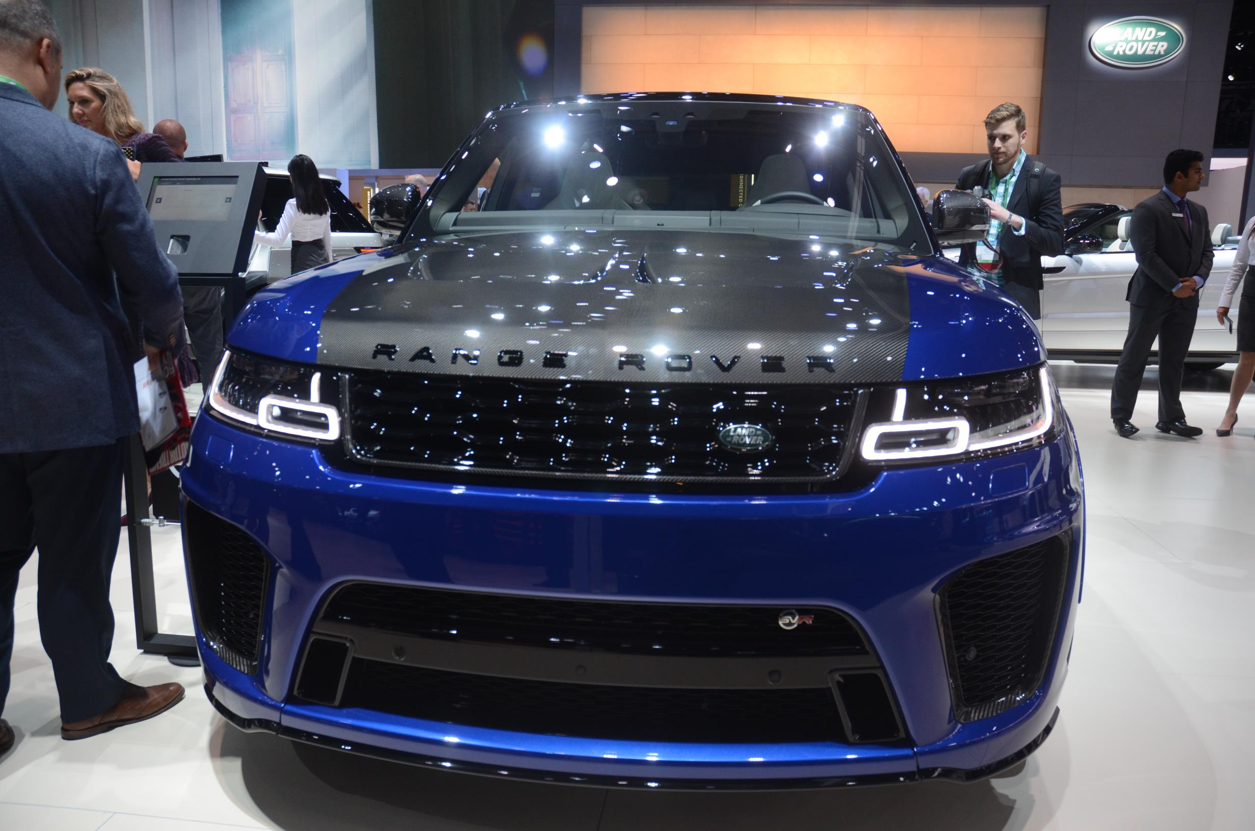 Carbon Hood On Range Rover Sport Svr Is Popping In Los