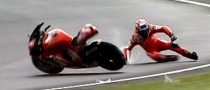 Casey Stoner Delays Surgery due to GP9 Testings