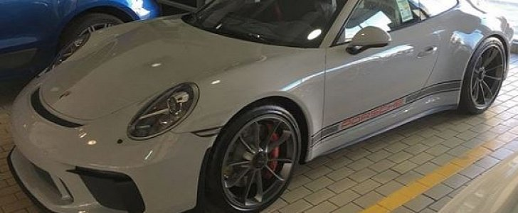 Chalk 2018 Porsche 911 Gt3 With Ccx Side Stripes Looks