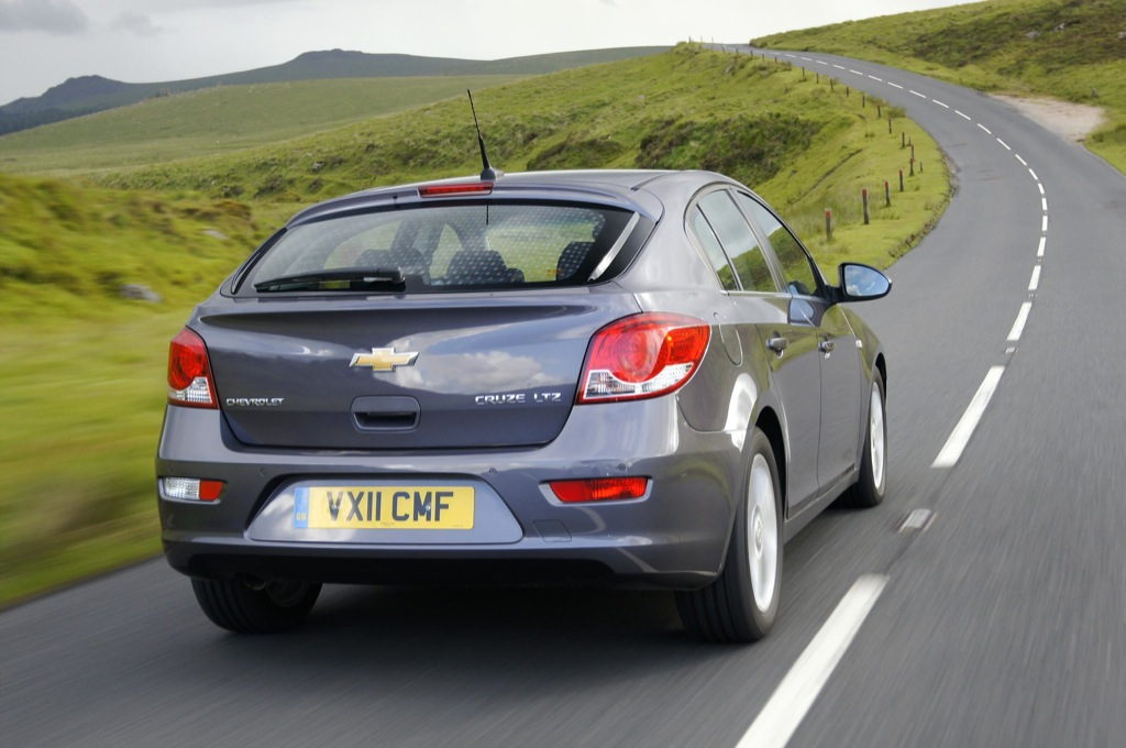 New Chevy Cruze >> Chevrolet Cruze Hatchback RHD Debuts at Donington Park - autoevolution