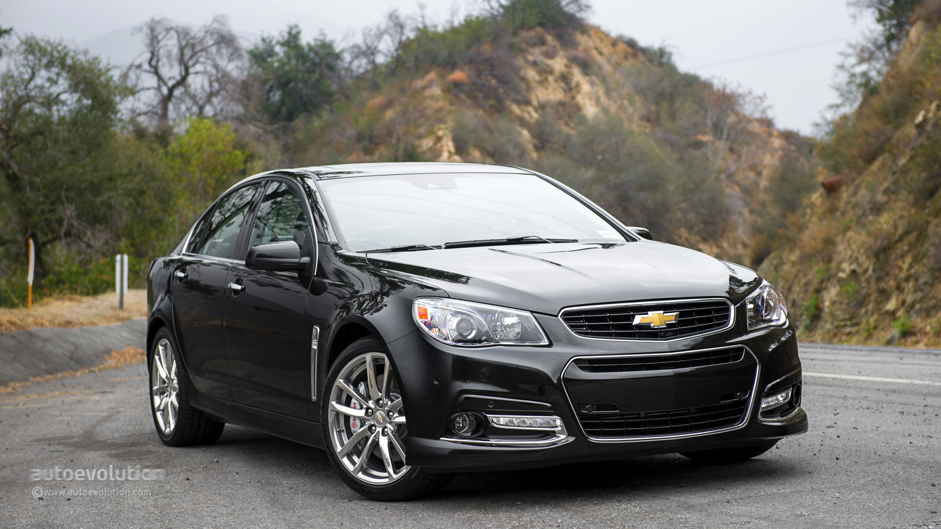 Chevrolet ss gets thumbs up from consumer reports for Newspaper wallpaper for sale