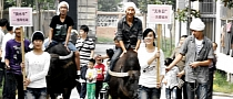 Chinese City Guangzhou Embraces and Celebrates 'Car Free Day'