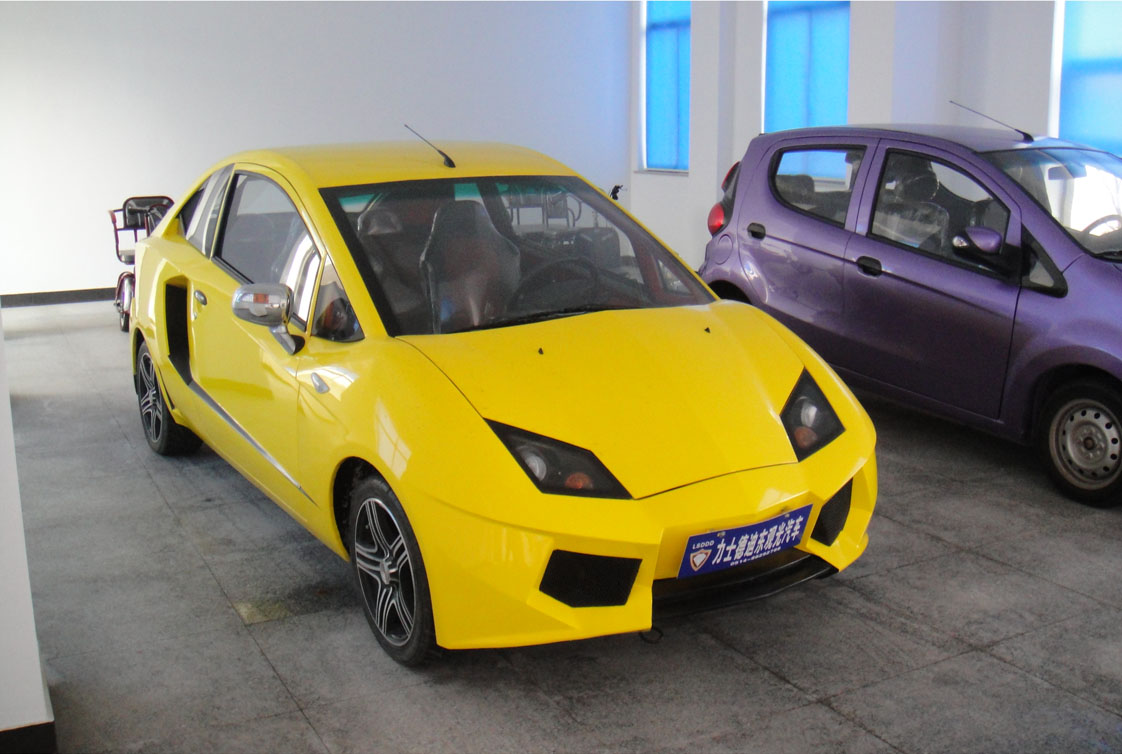 Chinese Company Clones Lamborghini Supercar, Gives It a 10 ...