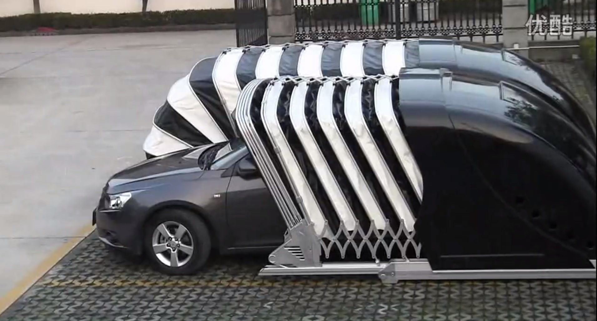 Chinese company invents cocoon garage that wraps around for Garage sena auto