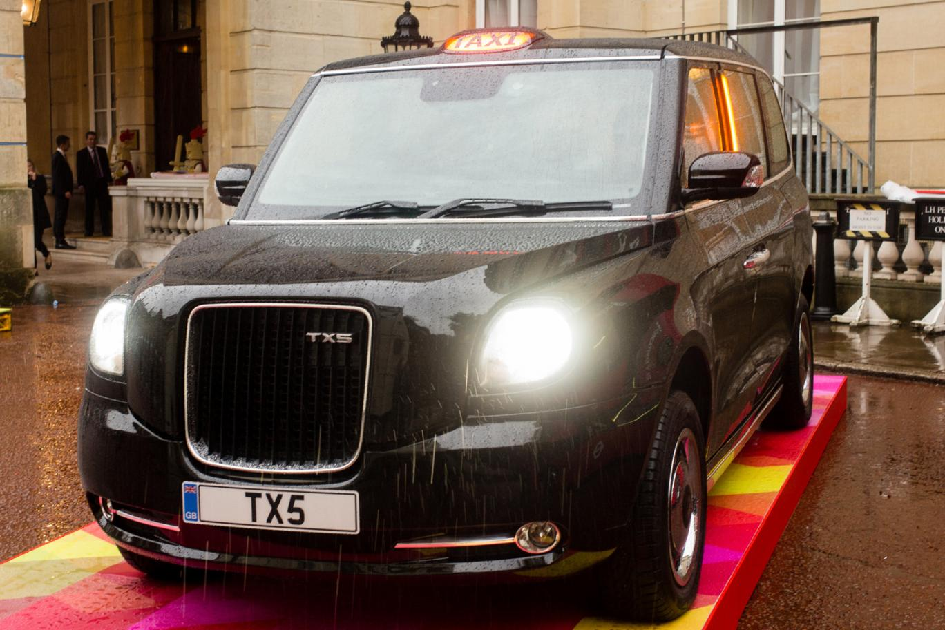 Chinese-Made London Cab of the Future Is a Plug-in Hybrid ...