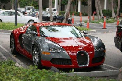 Chris Brown Shows Off In A Bugatti Veyron Autoevolution