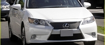 Chris Evans Drives a 2013 Lexus ES 350