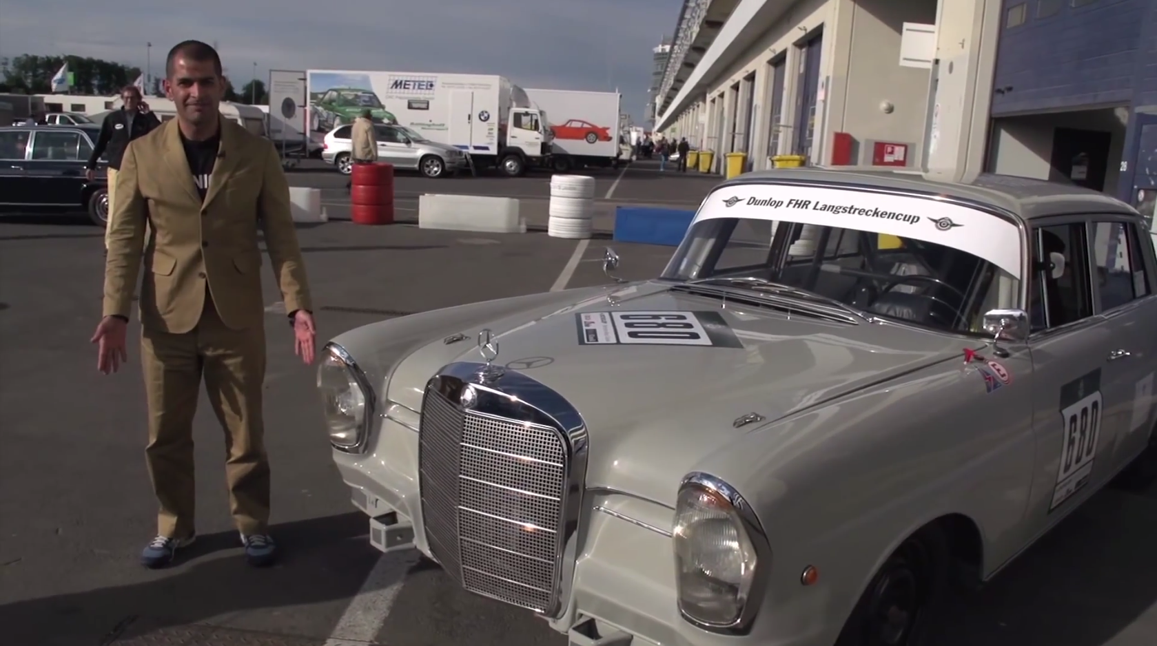 Chris harris and david coulthard manhandle a 220se w111 for Mercedes benz brand ambassador