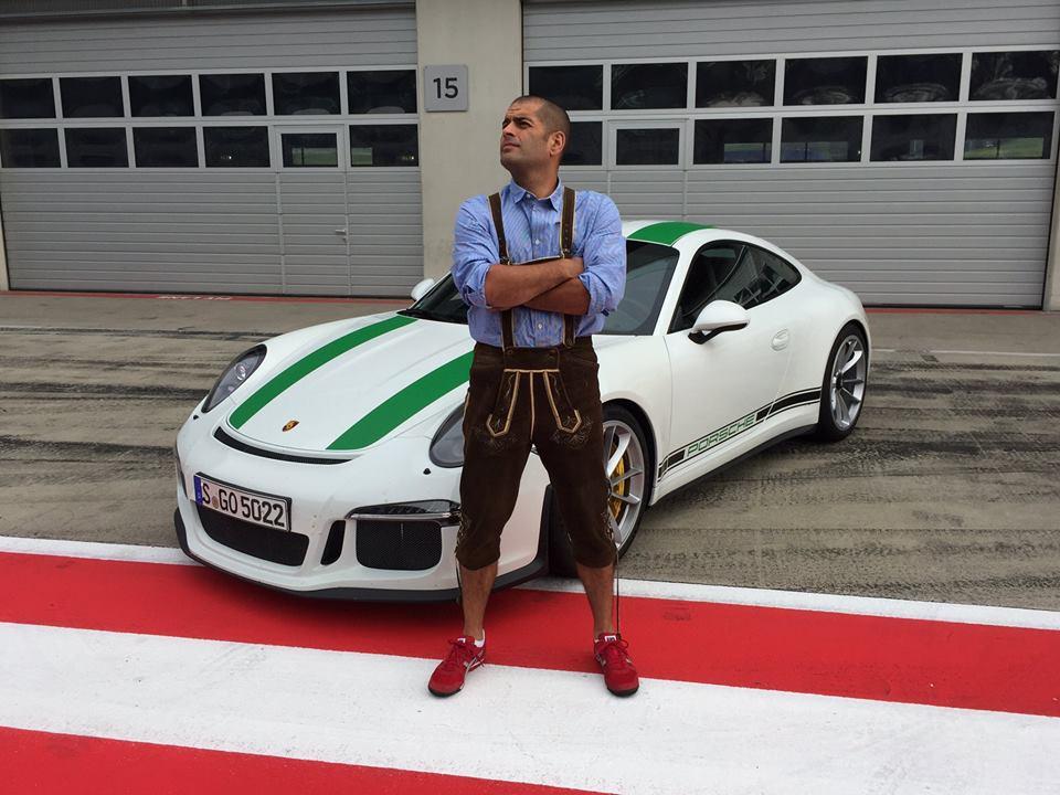 3 Photos Chris Harris And 2017 Porsche 911 R