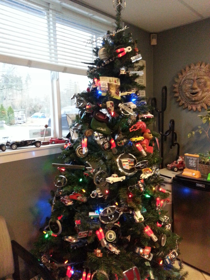 Car Christmas Tree.Christmas Tree Decorated With Tons Of Car Logos Has Mercedes