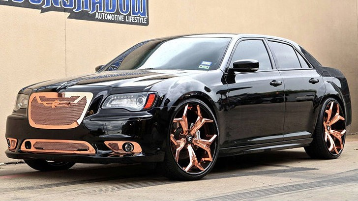 Chrysler 300 Srt Goes Bling Bling With 24 Inch Forgiato