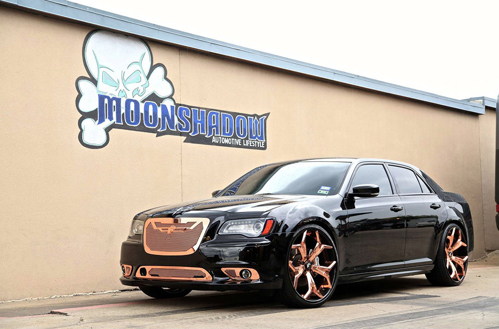 chrysler 300 srt goes bling bling with 24 inch forgiato wheels autoevolution. Black Bedroom Furniture Sets. Home Design Ideas