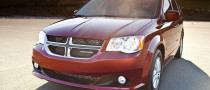 Chrysler  Cut Base Price of 2011 Dodge Grand Caravan