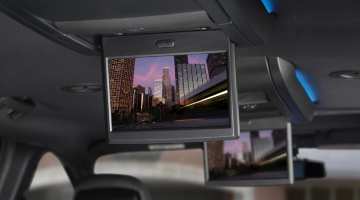 Chrysler Launches Blu-Ray DVD on Minivans