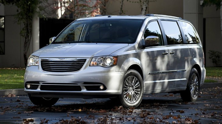 chrysler recalling 780k minivans for electrical issue autoevolution. Black Bedroom Furniture Sets. Home Design Ideas