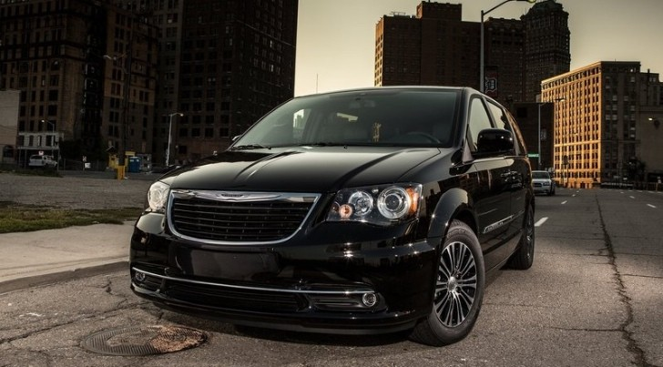 Chrysler Yet to Decide What Badge their Next Minivan Will Bear