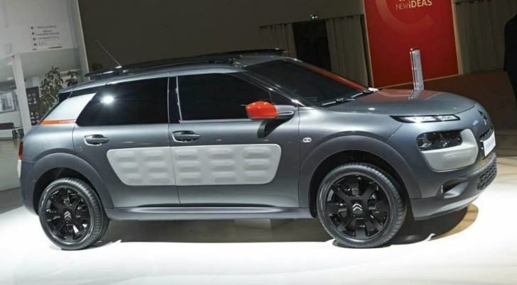 citroen c4 cactus has the spirit of the 2cv real life. Black Bedroom Furniture Sets. Home Design Ideas