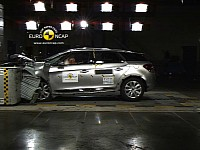 Citroen DS5 crash test
