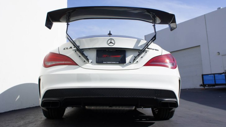 CLA 45 AMG Gets a Voltex Wing by The R's Tuning