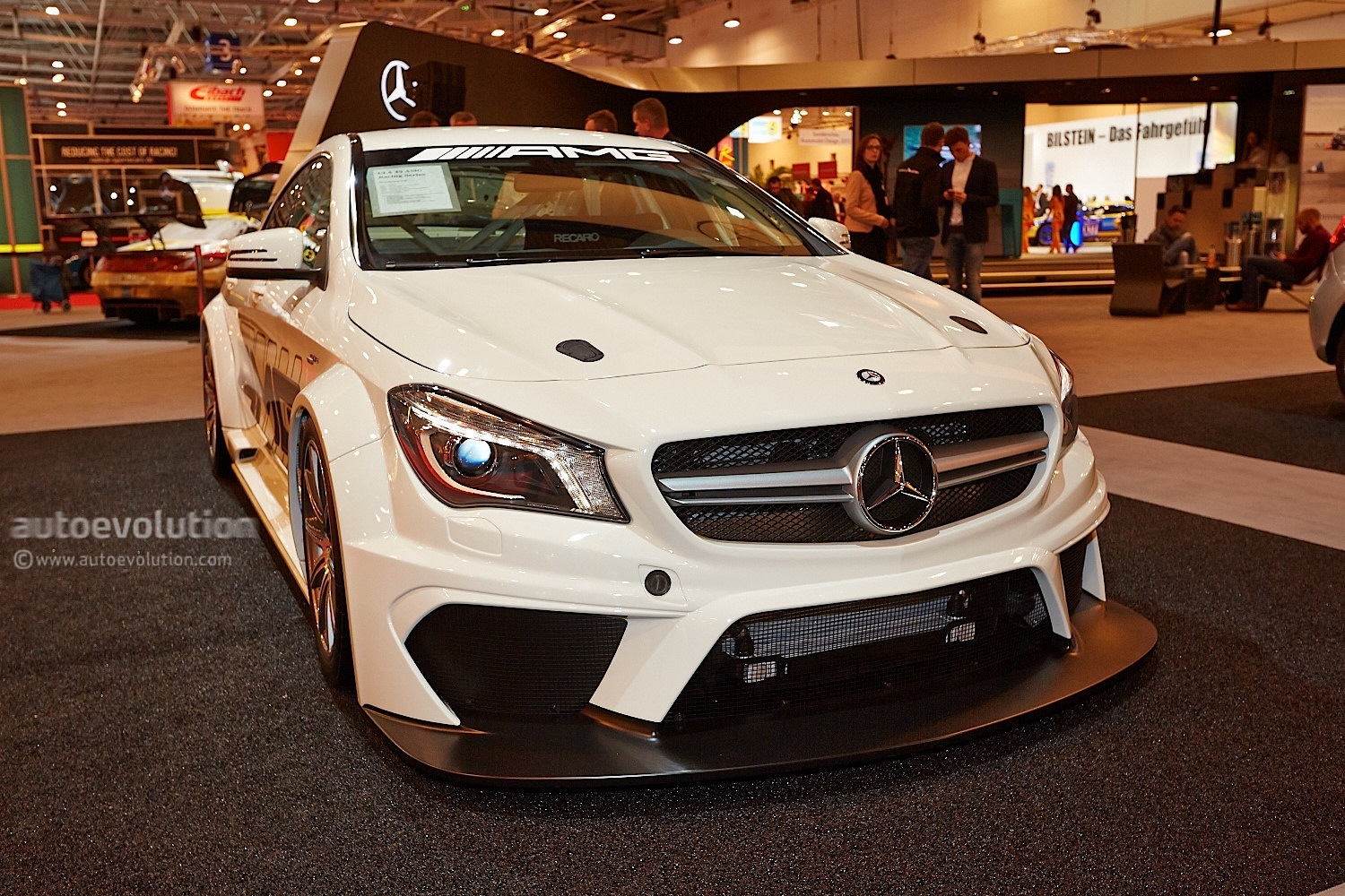 cla 45 amg racing series shows up in esssen video live. Black Bedroom Furniture Sets. Home Design Ideas