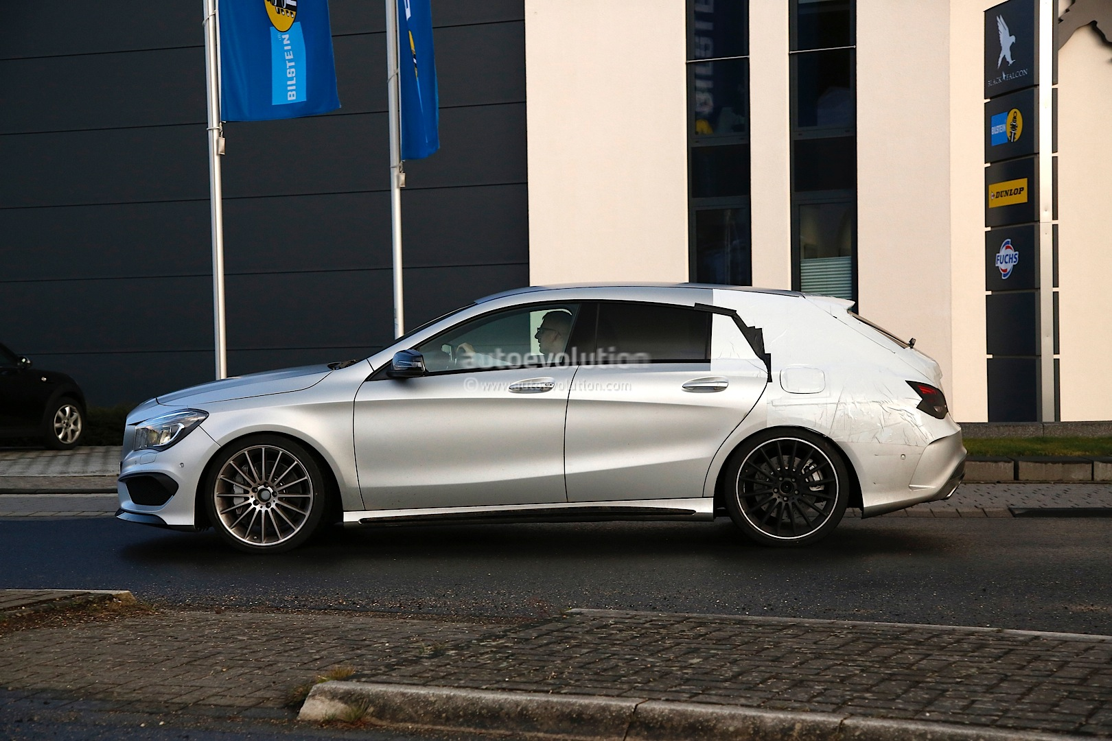 the cla 45 amg shooting brake x117 is yet another non us model autoevolution. Black Bedroom Furniture Sets. Home Design Ideas