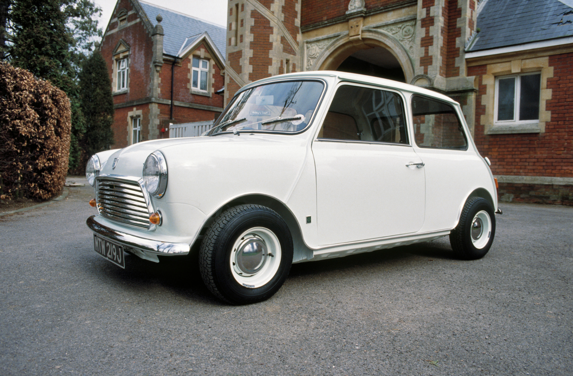 Classic MINI Proposed For Great British Innovation Title - Classic mini car