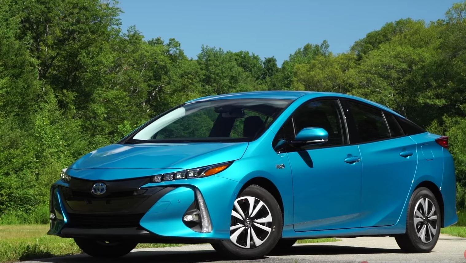 Toyota Prius - автомобили и цены в ...