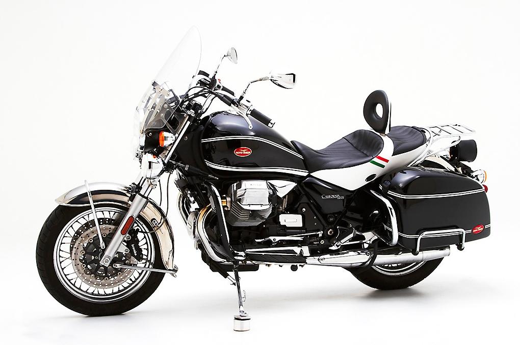 corbin shows dual touring saddle for moto guzzi california vintage