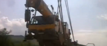 Crane on Crane Dropping Actions Delivers LOLs [Video]