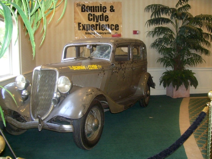 Gangster Bonnie And Clyde Ford V8 B-400