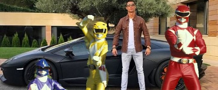 Once Driven Reviews >> Cristiano Ronaldo Post Picture of Him and a Lambo, Gets ...