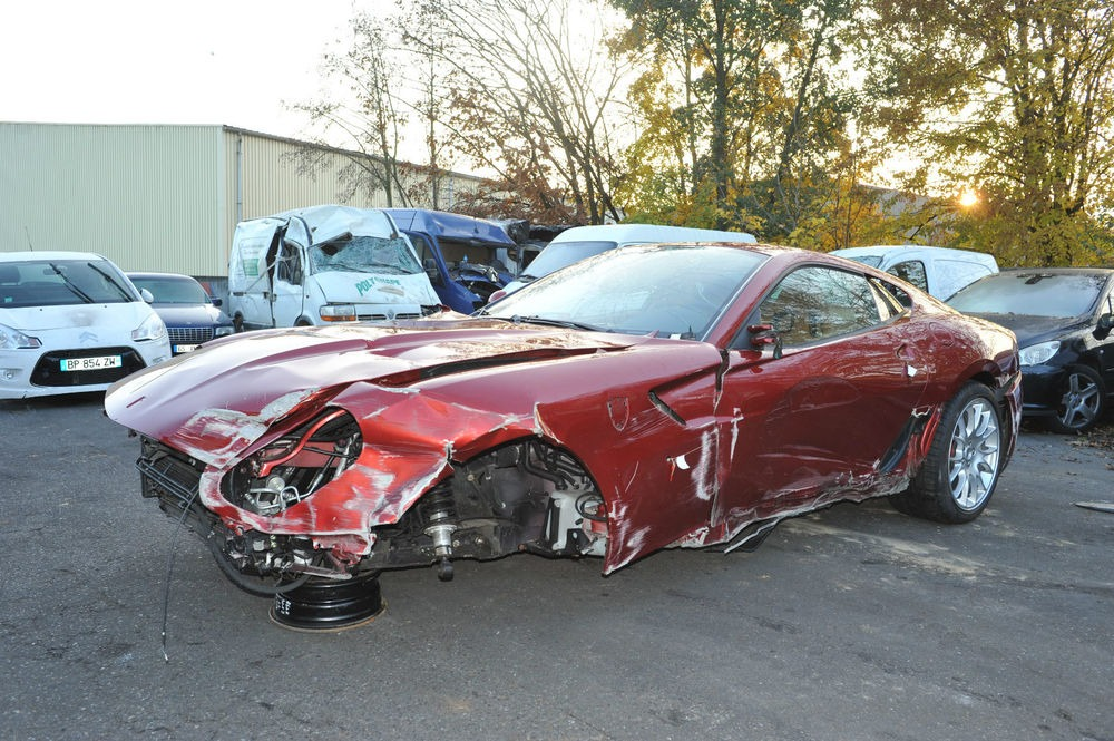 Cristiano ronaldo s crashed ferrari 599 for sale for Garage les milles
