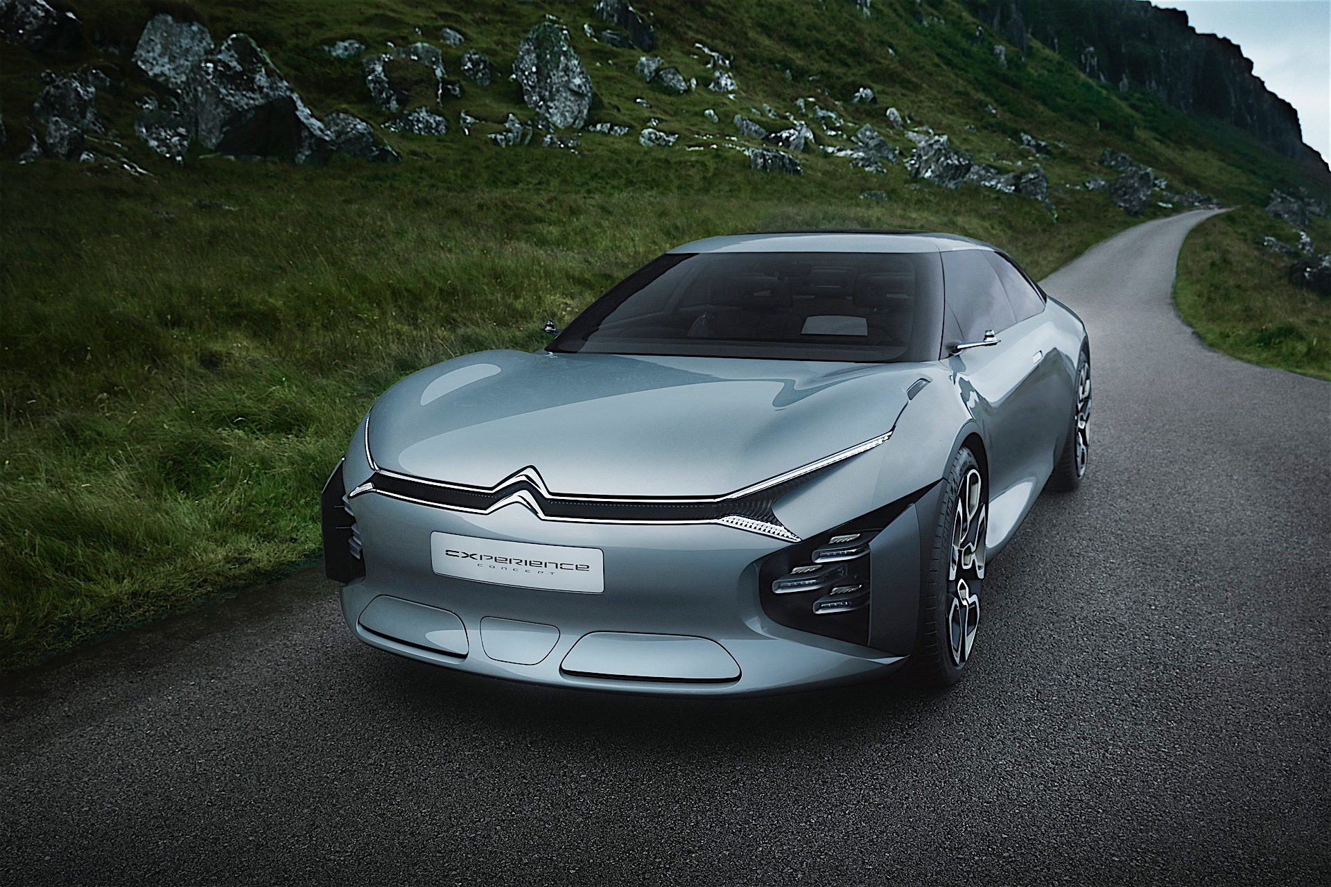 Citroen reveals new flagship concept