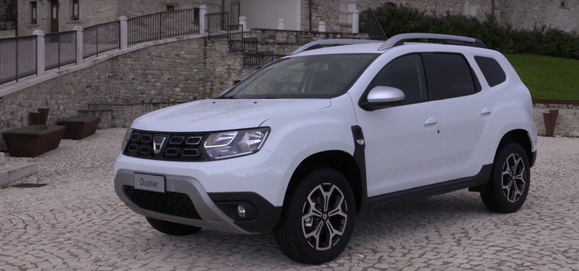 dacia duster and renault twingo get lpg engines. Black Bedroom Furniture Sets. Home Design Ideas