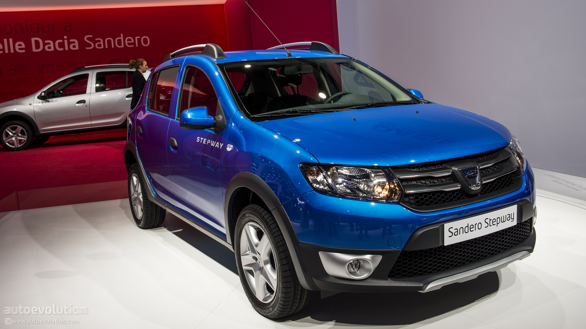 dacia opens order books for sandero stepway priced at 10 590 autoevolution. Black Bedroom Furniture Sets. Home Design Ideas