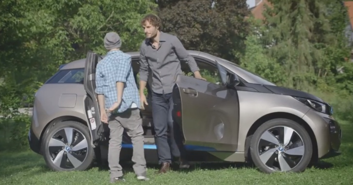 Dad Tells Son about the BMW i3 [Video]