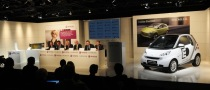 Daimler Seeks Third Partner in Car Battery Alliance